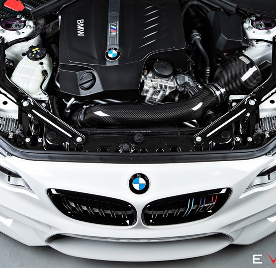 M2-carbon-intake-eventuri-car-top